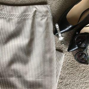 Tahari Seer Sucker Pencil Skirt 8 Petite